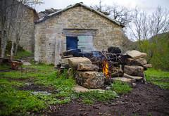190413 Brento Sanico_0159 (Bati18) Tags: abandoned abbandono brentosanico toscana tuscany fuoco fire camping