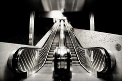 Escalator issy les moulineaux (freephysique) Tags: escalator issy les moulineaux france epinettes