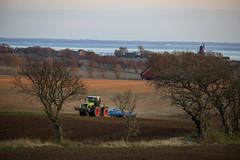Mårten_Svensson_2U9A2736 (Bad-Duck) Tags: kullen vår claas krapperup kultivator lemken traktor årstid