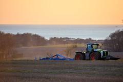 Mårten_Svensson_2U9A2671 (Bad-Duck) Tags: kullen vår claas krapperup kultivator lemken traktor årstid