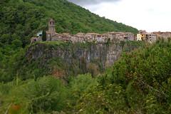 Castellfollit de la Roca (O'Bydalej) Tags: castellfollitdelaroca spain catalonia