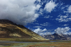Silenced by Nature !! (Lopamudra !) Tags: lopamudra lopamudrabarman lopa landscape ladakh himalaya himalayas highaltitude highland jk india suru suruvalley valley vale sky skyscape clouds cloud mountain mountains beauty beautiful colour color colours colourful cold river water nature picturesque
