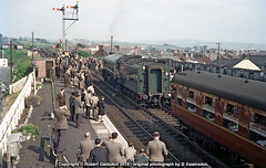 1963 - Engine Change, at Auchinleck (Robert Gadsdon) Tags: 1963 rcts gresley a4 pacific 60004 williamwhitelaw threesummitrailtour steam withdrawn scrapped reopenedstation auchinleckstation