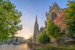 Saint Michel (PaaulDvD) Tags: bordeaux city gironde aquitaine france colors reflet sun sunset blue urbanscape cityscape