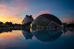 Anochecer en la CAC (olgapepe) Tags: valència españa spain arquitectura architecture anochecer dawn nikon d7000 ciudad artes ciencias museo agua reflejo water