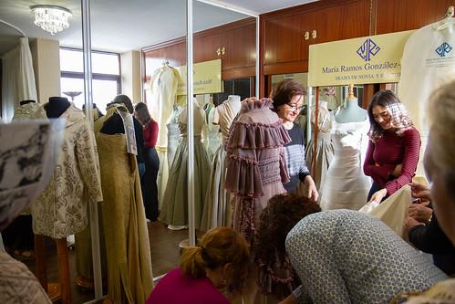 """Visita guiada y masterclass en el taller de la modista María Ramos • <a style=""""font-size:0.8em;"""" href=""""http://www.flickr.com/photos/124554574@N06/46904070474/"""" target=""""_blank"""">View on Flickr</a>"""