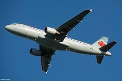 pl02juin18aca32028 (lanpie012000) Tags: montreal montréal yul cyul aircanada airbusa320211 cfpwe fin402