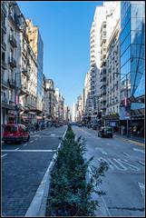 Avenida Corrientes (Totugj) Tags: nikon d7500 nikkor 18140mm avenida corrientes buenos aires argentina paisaje urbano urbanscape urbanismo urbe cityscape ciudad city street streetview calle