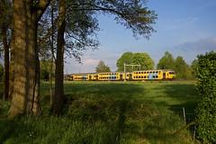 NS trein 5668  Zwolle - Utrecht Centraal  - Hattemerbroek (Rene_Potsdam) Tags: nederland hattemerbroek gelderland railroad treinen trains trenes züge dubbeldekker europe europa nederlandsespoorwegen