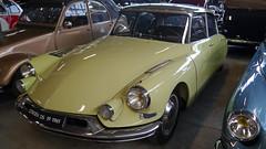 Conservatoire Citroën - Aulnay-sous-Bois (Mic V.) Tags: vintage collection classic conservatoire citroën citroen musée musee museum french car voiture aulnaysousbois 1961 ds 19