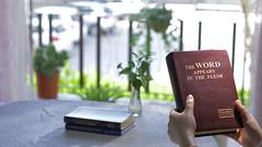 Ascolta attentamente le parole di Dio (eshao5721) Tags: libro laparoladidio spiritosanto lafedeindio laverità dioonnipotente lodeadio lachiesadidioonnipotente gliultimigiorni preghiera cristiana