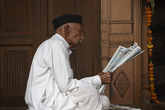 0963 The Newspapers Reading (Hrvoje Simich - gaZZda) Tags: people man old siting reading newspaper portrait profile delhi india asia indian travel nikon nikond750 nikkor283003556 gazzda hrvojesimich