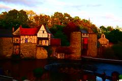 Le chateau et la table ronde (Richard et Audrey) Tags: chateau couche de soleil vendee pierres eau table ronde