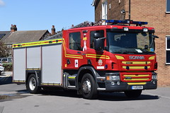 Humberside - YJ13GOU - Peaks Lane - WrL (matthewleggott) Tags: humberside fire rescue service engine appliance scania peaks lane grimsby emergency one pump yj13gou wrl water ladder