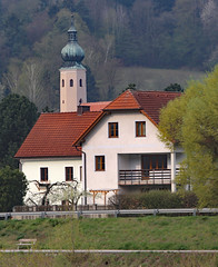 Picturesque Village House Aggsbach Wachau Valley (photo_paddler) Tags: urope austria wachau valley village color outdoor spring day availablelight wachauvalley