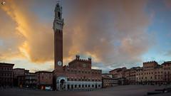 Il Campo comes to life (dieLeuchtturms) Tags: frühjahr 16x9 europa toskana sonnenaufgang italien panorama siena ilcampo europe italia italy toscana spring sunrise tuscany provinzsiena 20190422