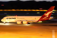 Qantas | Airbus A380-800 | VH-OQJ | Singapore Changi (Dennis HKG) Tags: aircraft airplane airport plane planespotting oneworld canon 7d 70200 singapore changi wsss sin qantas qfa qf australia airbus a380 a380800 airbusa380 airbusa380800 vhoqj