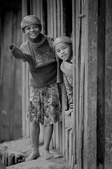 Youngs girls, Sakaivo, Madagascar (Glassholic) Tags: candid street madagascar