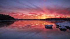 Lever du jour sur la rivière Saguenay en Avril (gaudreaultnormand) Tags: avril bleu calme canada froid glace leverdesoleil lumière orange quebec rivière rivièresaguenay rouge saguenay sunrise