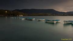 Quan se'n va la llum (Ernest Bech) Tags: catalunya girona pladelestany banyoles estany lake lago sunset postadesol ocaso landscape longexposure llargaexposició llums lights