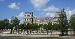 Panorama of the Hôtel de Ville and along the Seine, Paris (Monceau) Tags: hôteldeville pedestrian zone seine river panorama paris