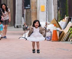 Happy girl (AJui_Photography) Tags: 女孩 sony a6500 70200mm 70200gm 70200 girl 駁二 盪鞦韆 高雄 kaohsiung 人像 portrait
