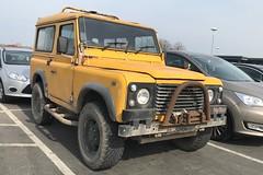 (Sam Tait) Tags: land rover defender 90 yellow diesel 25 2500 tdi turbo 4x4