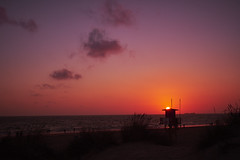 Sunset... (hobbit68) Tags: fujifilm xt2 espanol espagne espana espania spanien spain s sonne sommer sonnenuntergang aussichtsturm costa coast küste beach playa strand wolken clouds sky himmel holiday urlaub sonnenschein sunset sunshine summer sunsets su sun water wasser atlantik meer ozean andalusien andalucia