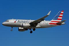 N12028 (American Airlines (Steelhead 2010) Tags: americanairlines airbus a319 a319100 yyz nreg n12028