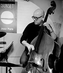 Marc Buronfosse (lechatrave) Tags: acousticguitar finejazz