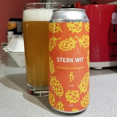 Sterk Wit (Pak T) Tags: thealchemist stowe vermont witbier sterk wit glass orange can aluminumcan beer alcohol beerporn beverage drink samsunggalaxys8 tmobile untappd