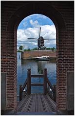 Idyll (LeonardoDaQuirm) Tags: heusden netherlands nederland maas dorp village dorf boat mill mühle windmill windmühle molen boot water