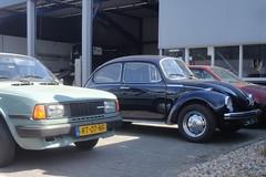 VW Beetle 1303 S 3-4-1973 18-50-XR (Fuego 81) Tags: volkswagen vw beetle kever käfer coccinelle 1303s 1973 1850xr cwodlp onk sidecode3 skoda 105 1987 rt07nf sidecode4
