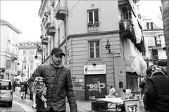 Torino 0571 (malko59) Tags: torino turin granbalon biancoenero blackandwhite balon cane dog street streetphotography urban fujifilmx fujifilmx100s fujifilm