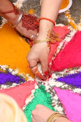 Rangoli (Maria Spadafora (@BloodyNoraDJ)) Tags: anandkaraj wedding sikhwedding mehndi henna food party bhangra gidhaboliyan cake boliyan singing dancing marriage ceremony gurdwara gnnsj leeds punjabi sikhism colourful amarwedsnims2019 amardev neelam family celebration