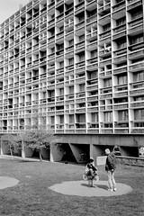 L2990713 (RG-Photographie) Tags: 28mm 7artisans acros100 analog architecture argentique chinesesummilux film firminy fujifilm lecorbusier leica leicam2 loire monochrom