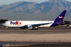 FedEx | Boeing 767-300F | N146FE | Las Vegas McCarran (Dennis HKG) Tags: aircraft airplane airport plane planespotting cargo freighter canon 7d 100400 lasvegas mccarran klas las fedex fdx fx federalexpress boeing 767 767300 boeing767 boeing767300 767300er boeing767300er 767300f boeing767300f n146fe