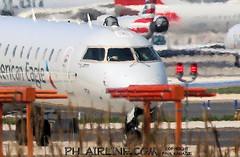 Windshield Smash N570NN (PHLAIRLINE.COM) Tags: philadelphiainternationalairport kphl phl bizjet spotting spotter airline generalaviation planes flight airlines philly