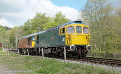 33102 and 33032 at Froghall (jon33040) Tags: 33021 class33 churnetvalleyrailway froghall 33102 aruba