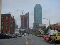 201905059 New York City Queens (taigatrommelchen) Tags: 20190518 usa ny newyork newyorkcity nyc queens icon city skyline building street