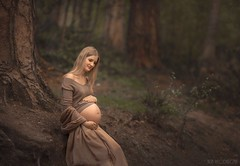 Beautiful mum to be Ieva (Aga Wlodarczak) Tags: agawlodarczak agawlodarczakphotography naturallight outdoors outdoorportrait canon canon6d canoneos6d 135mmf2 pregnancy portraiture portrait portraits forest