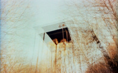 (matériel brouilleur) Tags: diana pinhole stenope estenopeica 35mm expiredfilm lomography lomo tungsten limoges