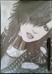 Tsuzuku (Giovana Draw/ デザイン) Tags: grey gray visual kei grafite graphite black white illustration desenho draw portrait jrock
