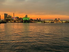 YOKOHAMA DAYS [Port of YOKOHAMA] (junog007) Tags: yokohama kanagawa iphone xs night evening sunset spring nightview sea port cloud yamashitapark