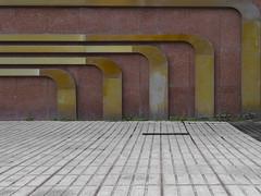 bogenkunst | madrid | 1802 (feliksbln) Tags: madrid kunst art arte tubo tube rohre geometrie geometry geometría lines linien líneas horizontal vertikal vertical
