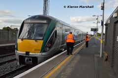 22040 arrives at Newbridge, 4/5/19 (hurricanemk1c) Tags: railways railway train trains irish rail irishrail iarnród éireann iarnródéireann 2019 22000 rotem icr rok 5pce premierclass 22040 1625corknewbridge newbridge