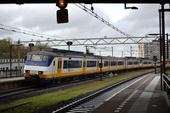 NS Sprinter 2982 (Will Swain) Tags: amsterdam centraal 10th november 2018 zwijndrecht netherlands transport travel europe train trains rail railways railway nl continent eu station ns sprinter 2982
