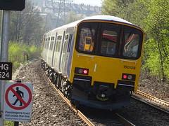 Northern 150108 @ Sowerby Bridge (Sim0nTrains Photos) Tags: sowerbybridgestation sowerbybridgerailwaystation sowerbybridgetrainstation caldervalleyline northernrailways class150 sprinter northernclass150 class1501 brelyork brel dmu dieselmultipleunit northern northernrail 150108