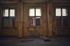 three of a kind (robert.freitag) Tags: nikon nikond7200 sigma sigma1770 abandoned decay rotten lostplaces windows fenster light licht