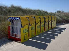 Strandkörbe-diagonal in Reihe (jezebel_cux) Tags: cuxhaven deutschland niedersachsen pentaxk3ii strandundküste affinityphoto 2019 hdpentaxda2040mmf284edlimiteddcwr mghprojekt